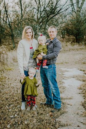00015--©ADHphotography2018--MattKelseyEsch--Family--November4