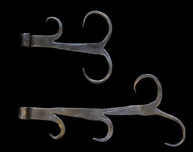 Decorative metalwork for door hinge