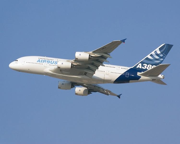Airbus - a big jet airplane<br /> <br /> (jbalpha/Dyxum)