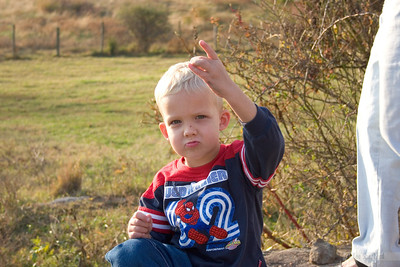 Ryan flashing his west coast gang sign.