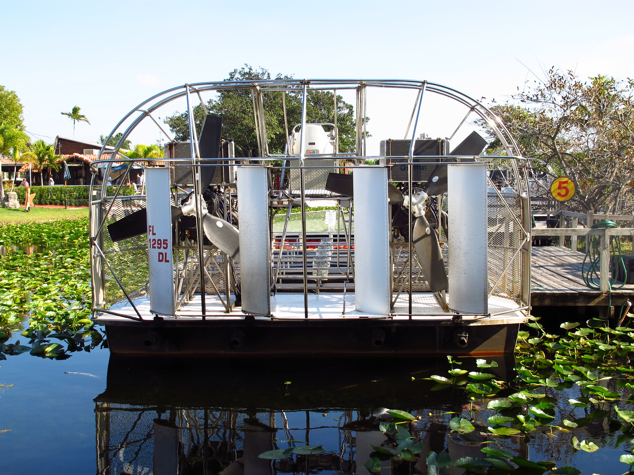 Now here is some serious power with twin engines on an airboat :)