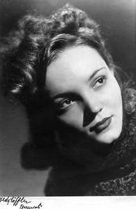 Angela 1946