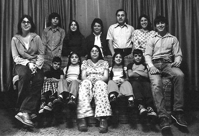 Joe_&_Ginnny_Sciola_&_Family_1974 800