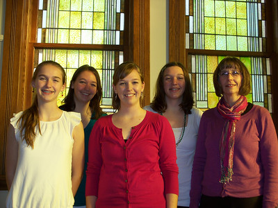 Jo Carmichael family:  L to R:  Caterina, Heather, Carla, Crystal, Jo.  Jo was married to Charlene's younger brother, Chuck (d. 2007)