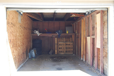 Single garages with lock; some have shelves