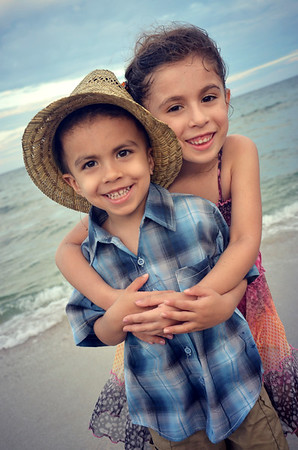 FAMILY PORTRAITS : MONTEALEGRE KIDS