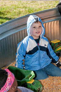 26 Cooper & Faith Visits Pumpkin Patch Oct 2012 (8x10)