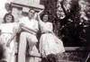 Antonia, Juan y Santa. Hermanos de Rosario