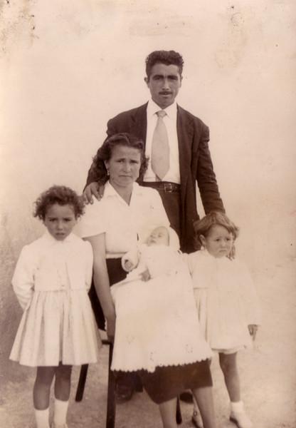 Perico con su mujer e hijos