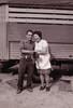 Rosario y Ángel en la puerta del almacén con el camión