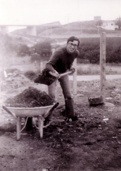 Luis Carrasco trabajando en la casa de los suegros (Teià - Barcelona)