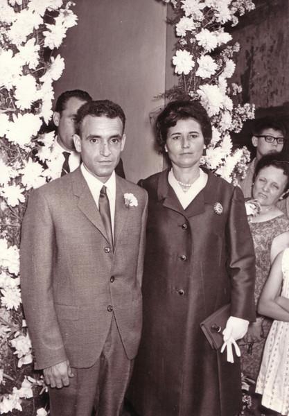 Rosario y Ángel invitados a una boda