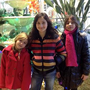 Aurelie & les filles de Claude (Haisha & Fanny): Dec 2014