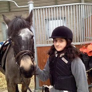 Aurélie et son poney favori (Décembre 2014)