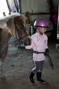 Capucine avec son poney (Octobre 2009)