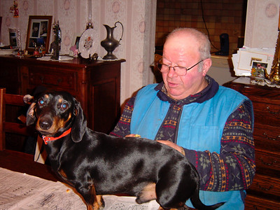 Papa et son chien Silex (2003)