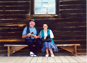 Mes parents a Bodie (ville fantome en Californie: mai 1998)