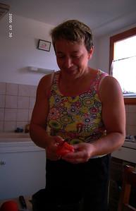 Sylvie dans sa cuisine (2005)