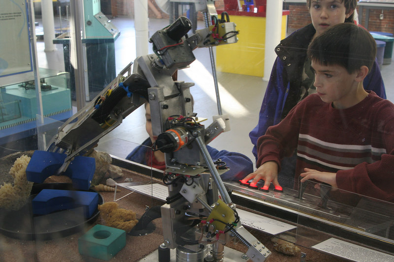 IMG_3128 Ian mastering arm robot