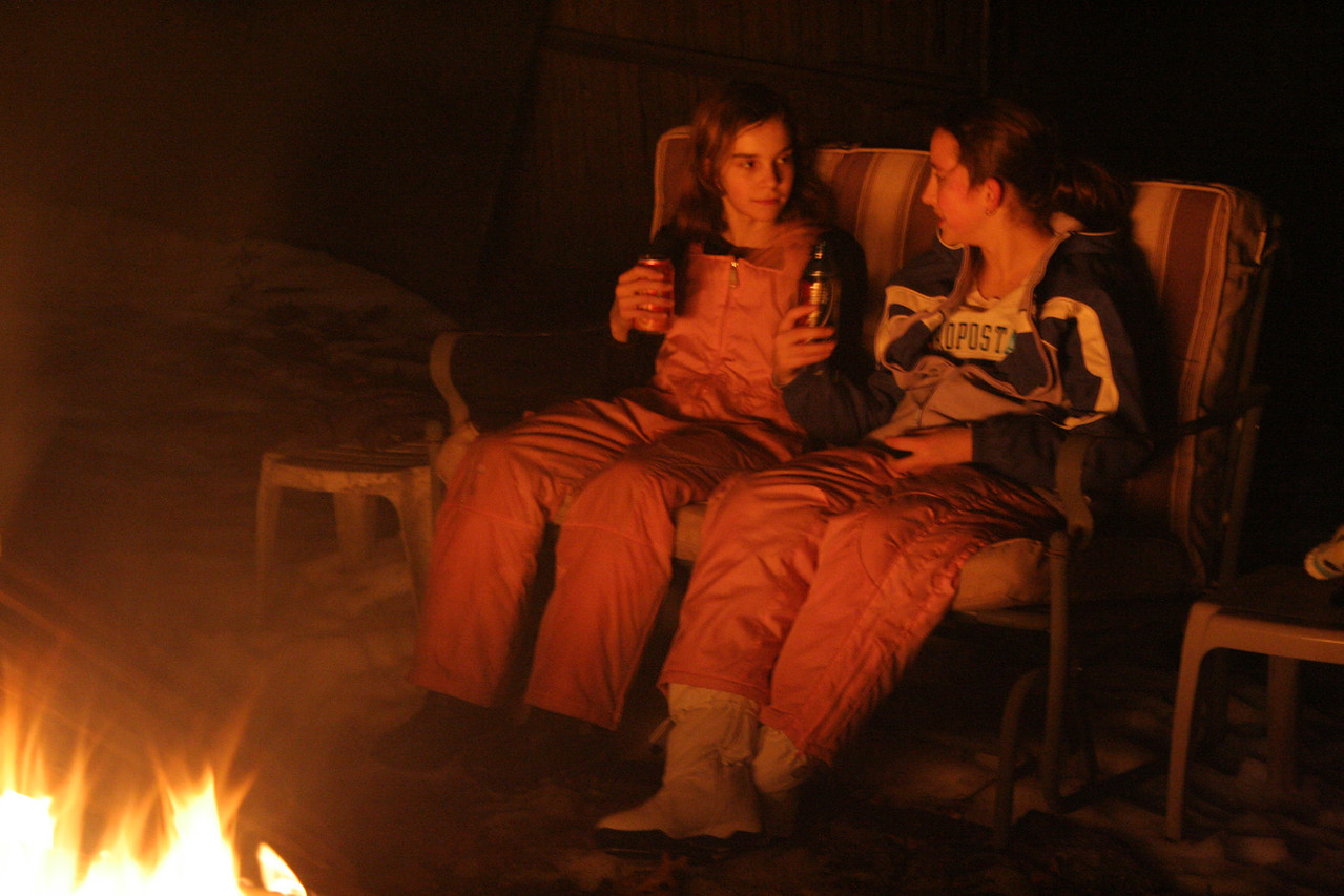 IMG_5121 Krystal, Emily outdoor fire