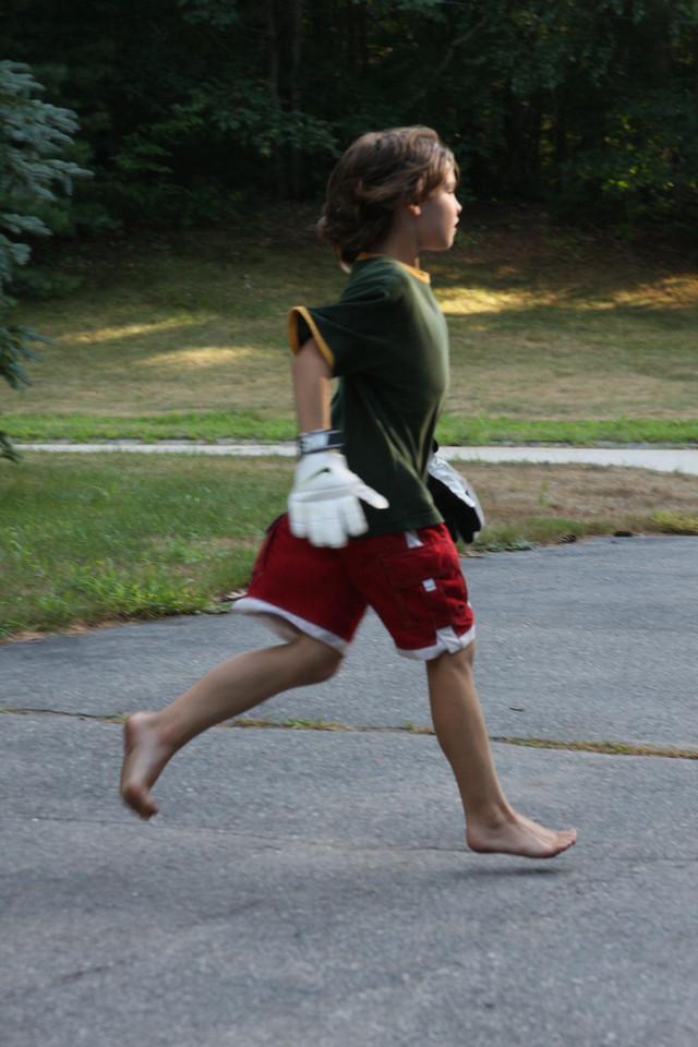 IMG4_13169 Brian running in driveway