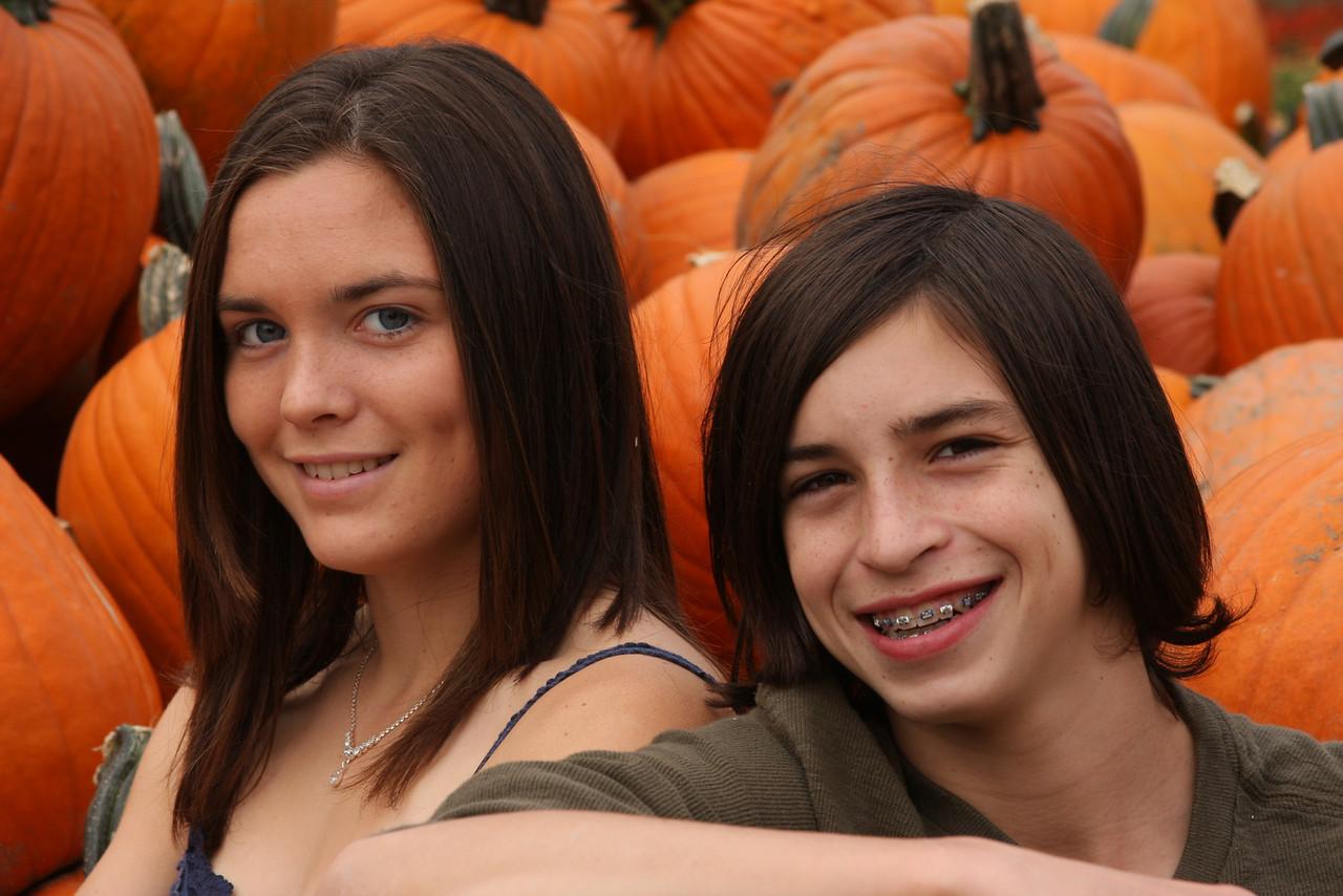 IMG4_14123 Kristin, Ian pumpkins