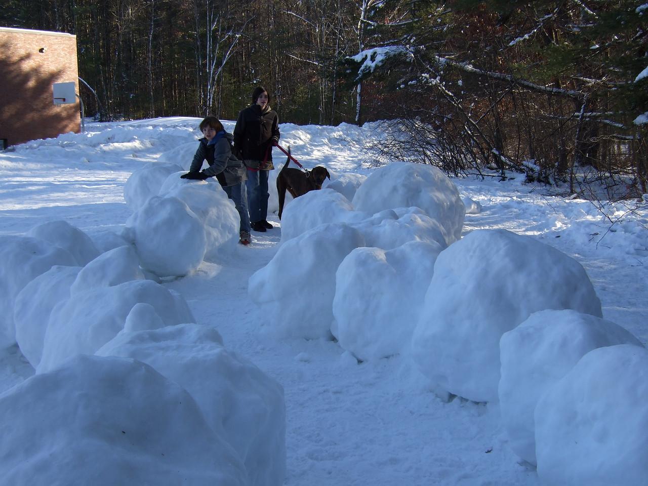 DSCF8007 Brian, Ian, Aaron giant snow balls