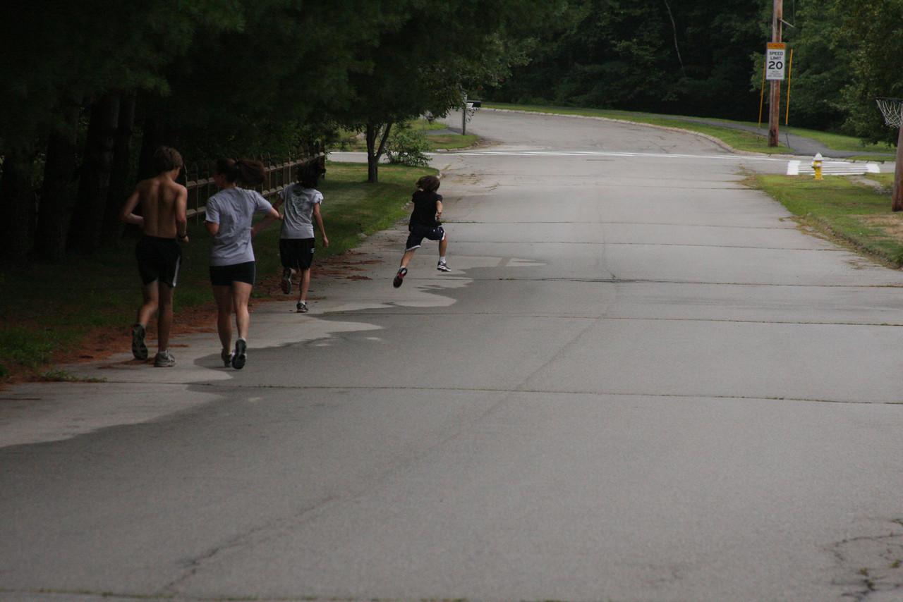 IMG4_20200 CJ, Kristin, Ian, Brian running