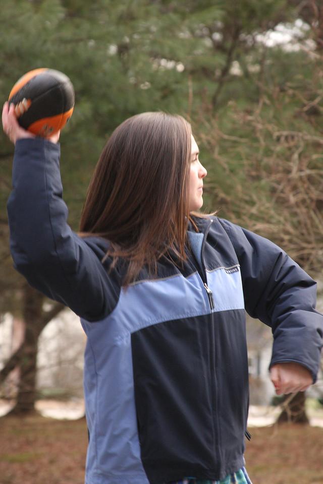 IMG4_23495 Kristin driveway football