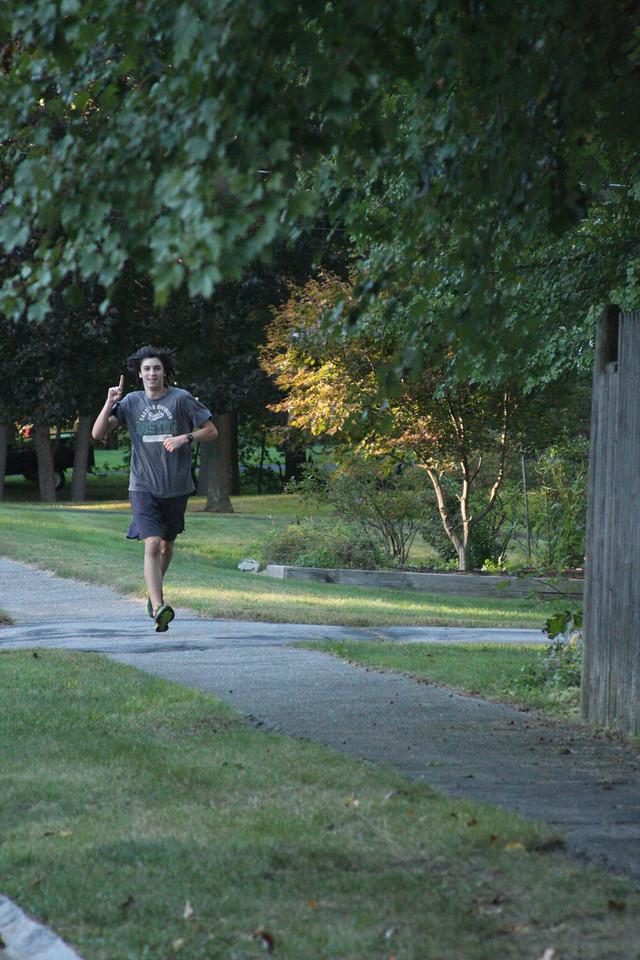 IMG4_33588 Ian running