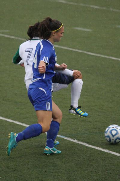 IMG4_33824 Kristin UNE Soccer trmzb