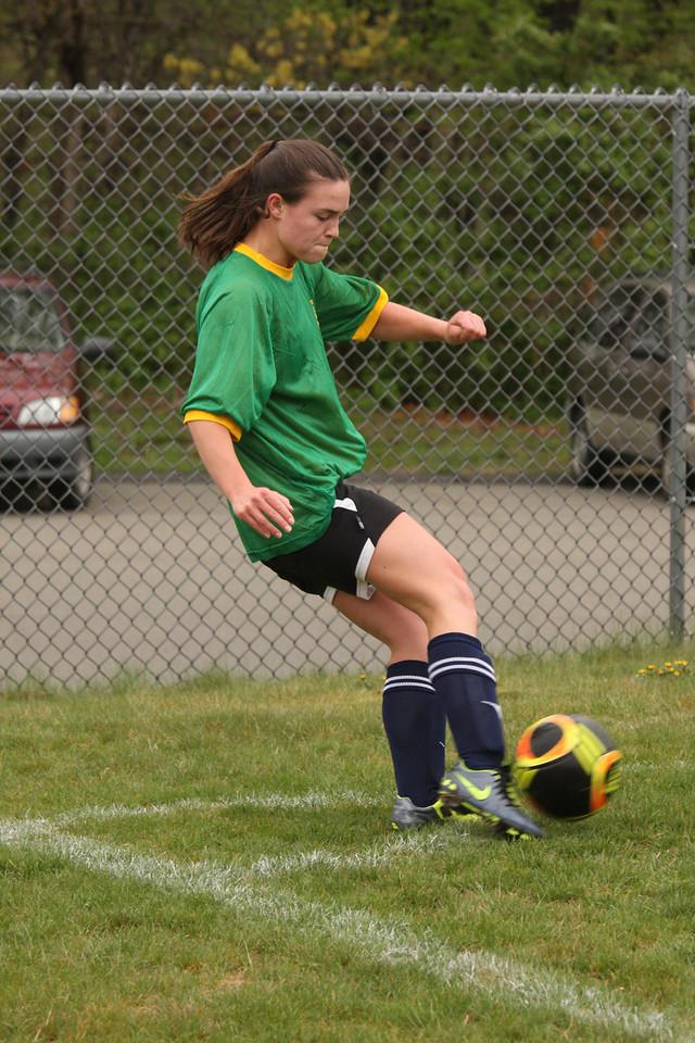 IMG4_26331 Kristin corner kick GU19 Rec Soccer