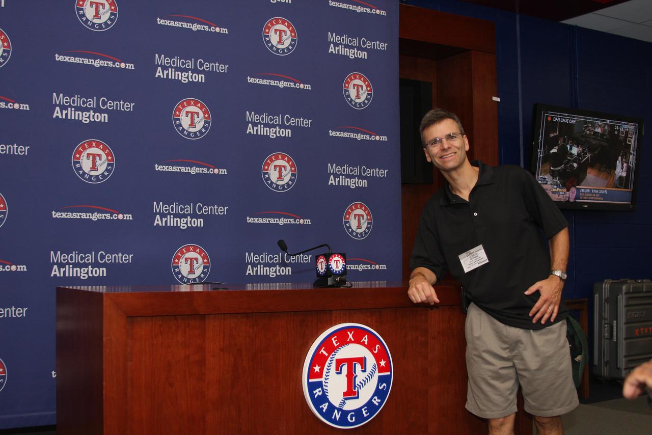 IMG4_29947 Joe at Rangers press room