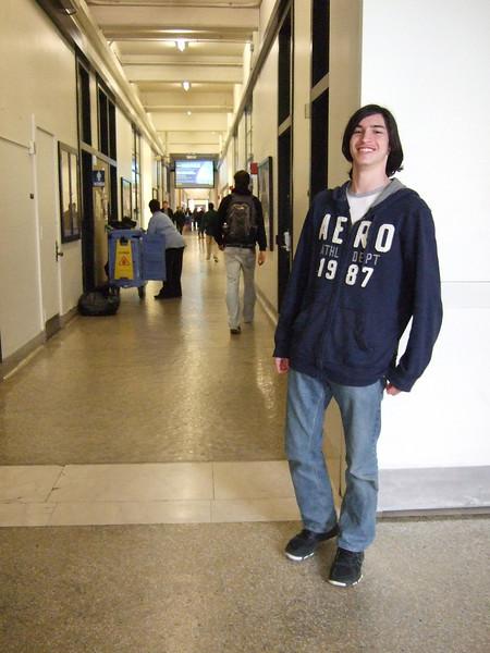 DSCF0100 Ian at MITinfinite corridor