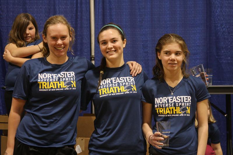 IMG4_37117 U19 girls winners UNE Sprint Triathlon