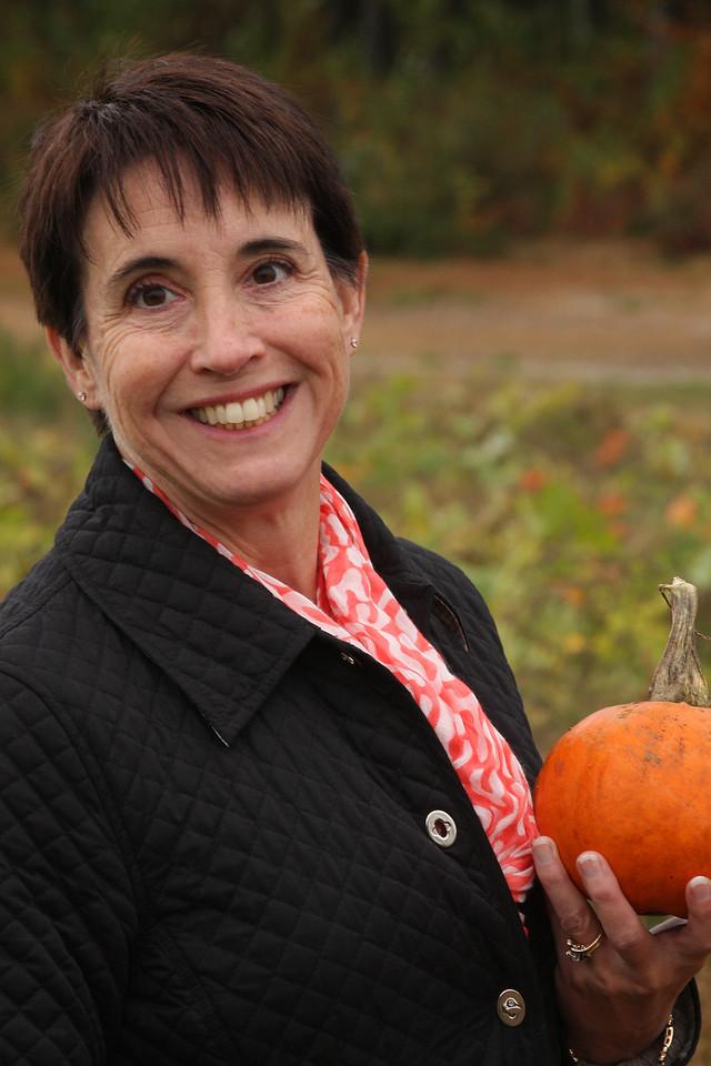 IMG4_40941 Maggie, pumpkin