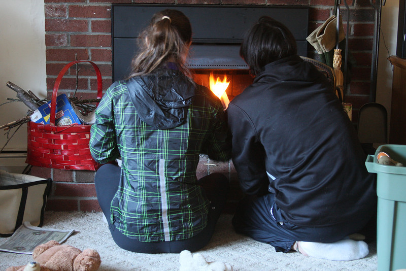 IMG4_41145 Kristin, Ian fireplace