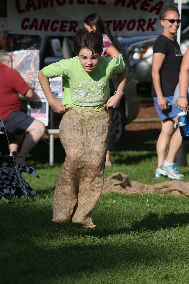IMG4_38657 Brian sack hop race