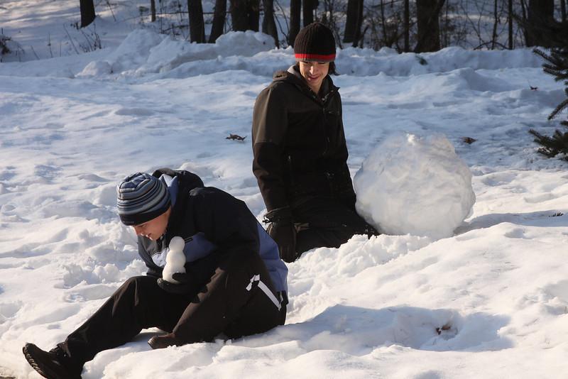 IMG4_36045 Kristin, Ian snowman
