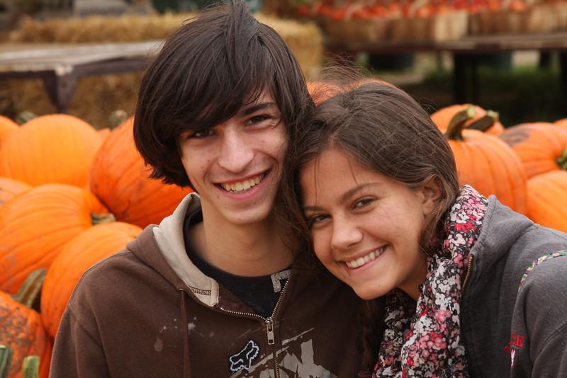 IMG4_40884 Ian, Lilah, pumpkins