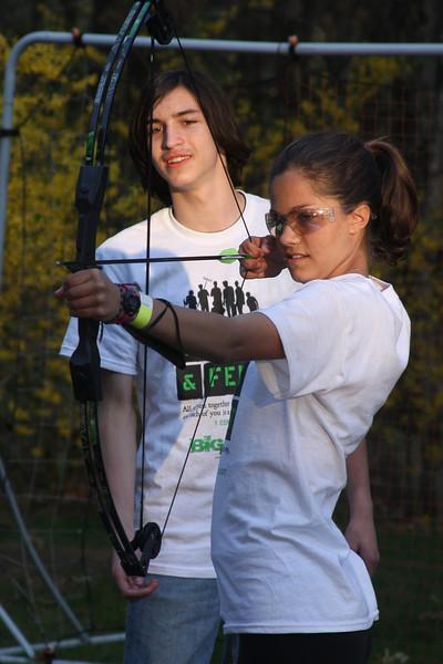 IMG4_37482 Ian, Lilah bow and arrow trmzb