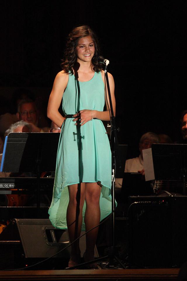 IMG4_37906 Lilah on stage Melrose DPPtrm