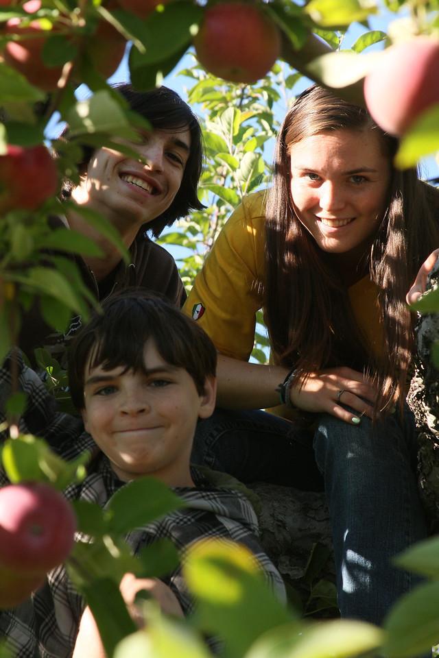 IMG4_40688 Ian, Kristin, Brian in apple tree