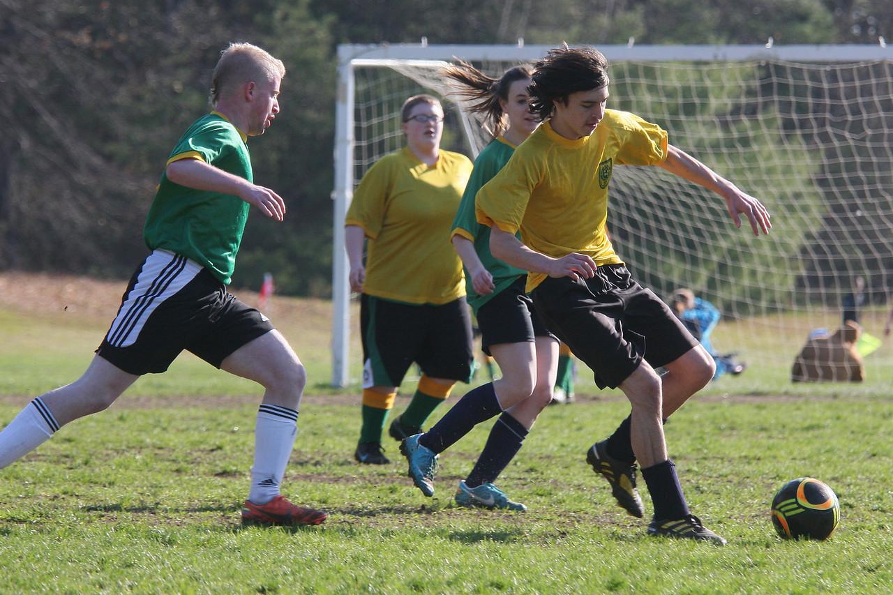 IMG4_37375 Ian U19 rec soccer trmzb