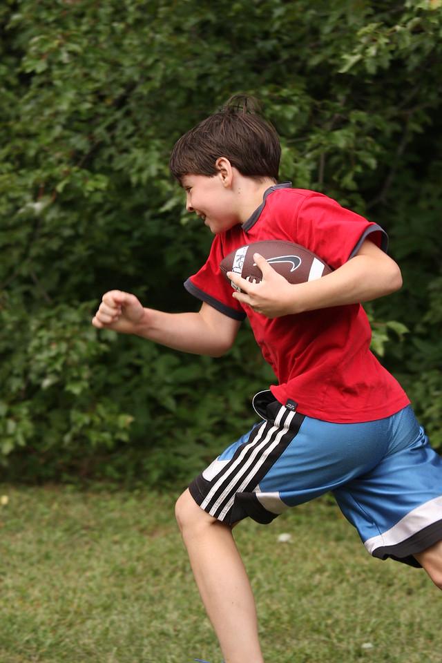 IMG4_39634 Brian football run