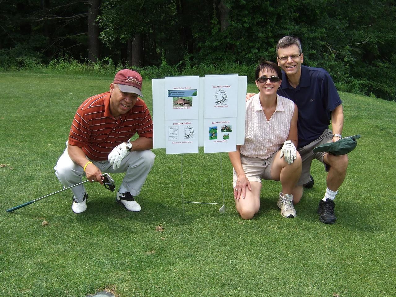 DSCF0107 Peter, Maggie, Joe UMM Golf trm
