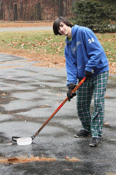 IMGA_41226 Ian ice puck driveway hockey trmzb