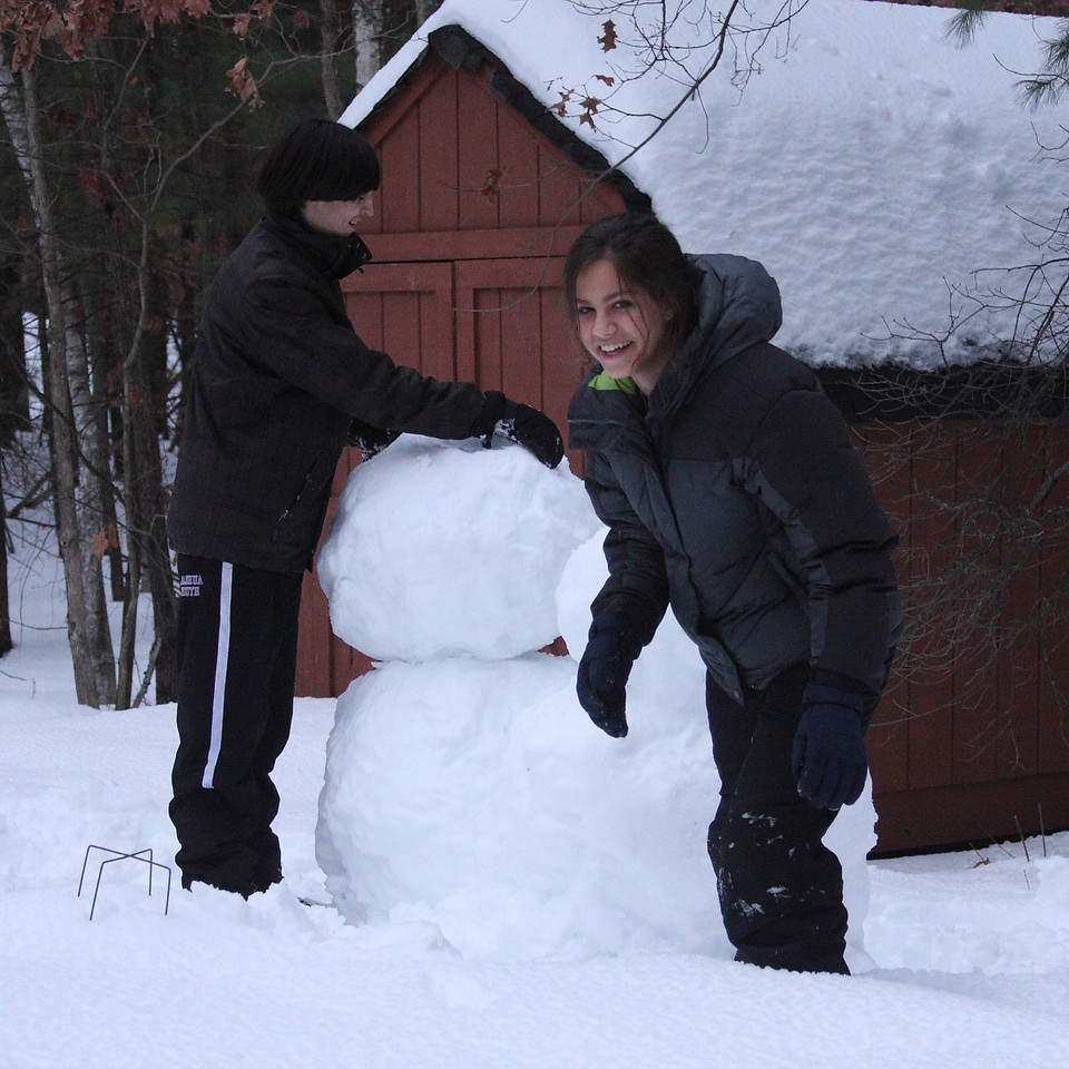 IMGA_41312 Ian, Lilah snowmen trmdpp