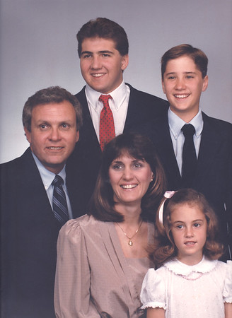1987_04 Family Photo Voelker-Edit