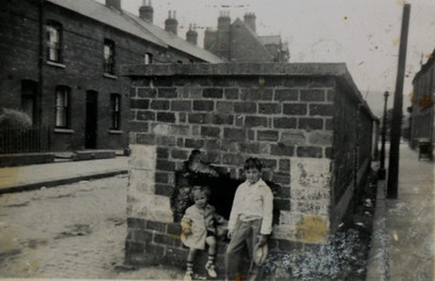 Kay-33: William (Bill)  and James (Jimmy) Patterson outside Cupar Street, Belfast just after the war cira 1948.